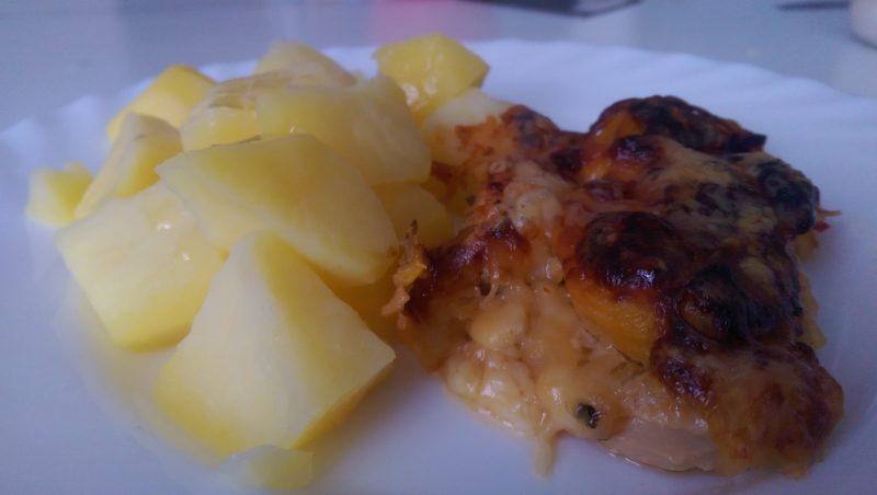 Kuřecí prsíčka s broskví