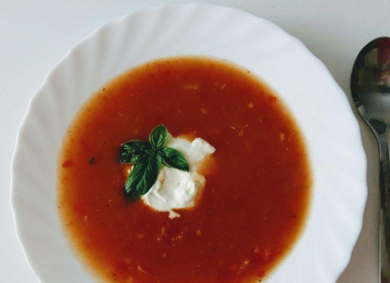 Polévka z pečených rajčat