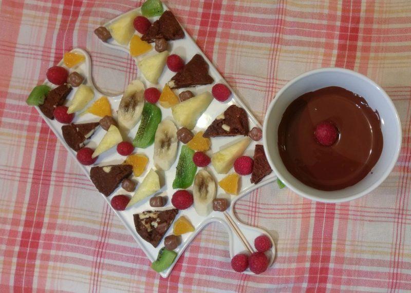 Ovocné čokoládové fondue
